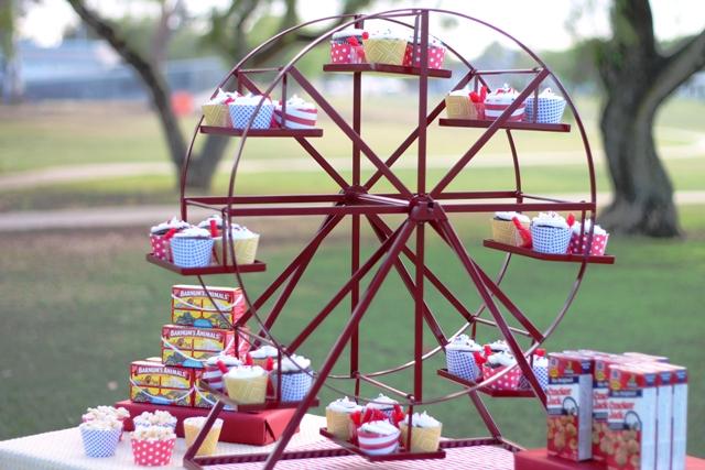 Revolving Ferris Wheel Cupcake Stand Rent Buy Enticing