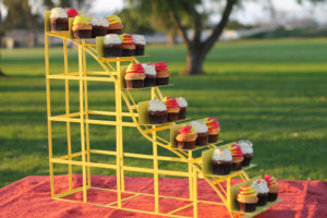 Roller Coaster 1 - cake and cupcake stands