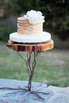 Rustic Redwood Cake Stand ⋆ Wedding Amp Party Rentals San